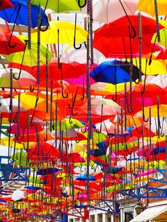 カラフルな傘の写真・画像素材[1538159]