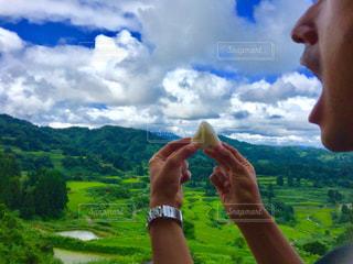 自然,風景,空,雲,棚田,大自然,おにぎり,横顔,田んぼ,田,食べる,米,お米,十日町,口,新潟県,星峠の棚田