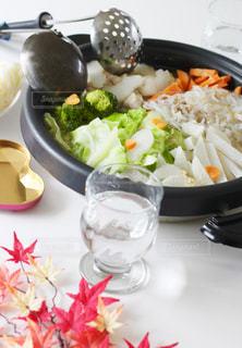 秋,紅葉,食卓,お酒,水,うどん,野菜,ハート,寒い,手作り,家庭,家庭の味,おたま,鍋うどん
