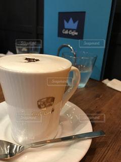 カフェ,コーヒー,カプチーノ,高級,おしゃれ,白金台,路面店,OSLO COFFEE,半地下