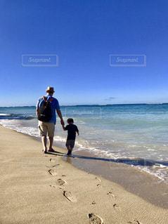 家族,海,親子,子供,旅行,休日,父,子,お父さん,父と子,仲良し父と子