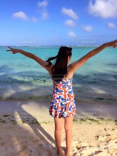 海,海外,後ろ姿,水着,旅行,グアム