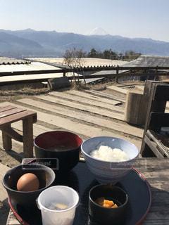 富士山を見ながら朝食の写真・画像素材[2482077]