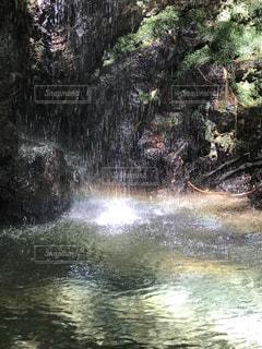 岩門の滝にての写真・画像素材[2626019]