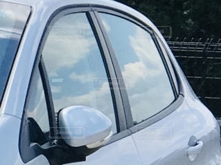 車の側面鏡の写真・画像素材[2693090]