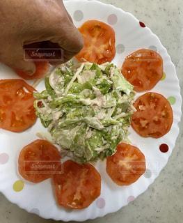 食べ物の皿をクローズアップするの写真・画像素材[2813104]