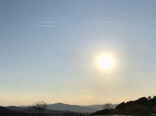 女性,2人,自然,空,屋外,太陽,夕暮れ,山,光,樹木,旅,三重県,クラウド,日帰り