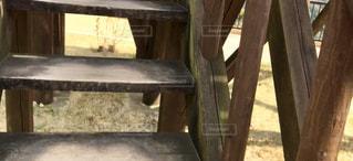 木製のベンチの写真・画像素材[2889270]