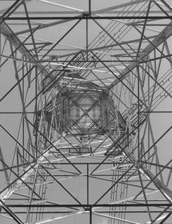 鉄塔を下から眺めるの写真・画像素材[2925843]