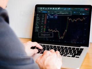 株価 チャート 投資の写真・画像素材[1099497]