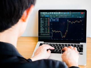 株価 チャート 投資の写真・画像素材[1099501]