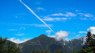 飛行機雲の写真・画像素材[1116795]