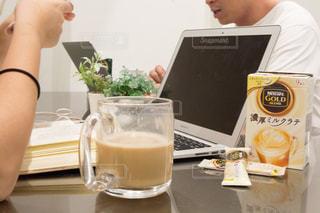 オフィスでのコーヒータイムの写真・画像素材[1295802]