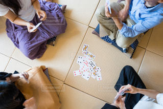 みんなでカードゲームの写真・画像素材[1320266]