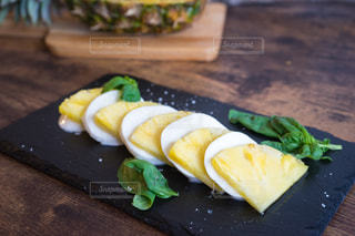 パイナップルのアレンジ料理の写真・画像素材[1839014]