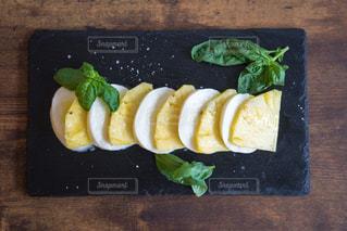 パイナップルの創作料理の写真・画像素材[1839025]