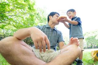 子供と遊ぶ家族の写真・画像素材[2162419]