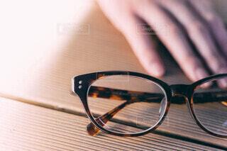 眼鏡と女性の写真・画像素材[3741397]