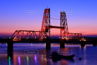 夕暮れの昇開橋の写真・画像素材[1209655]