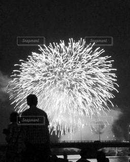 空に花火の写真・画像素材[1339464]