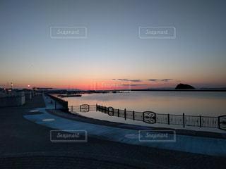 海に沈む夕日の写真・画像素材[1269824]