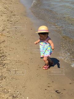 海,夏,ビーチ,子供,麦わら帽子