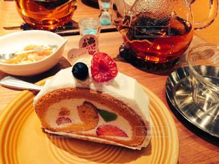 カフェ,カラフル,くつろぐ,最高,食後のデザート,フルーツがいい色合い,ポットの温もり