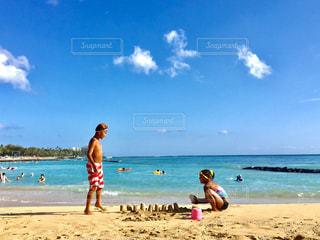 海 水着 ハワイ ワイキキビーチ 砂浜 夏休み