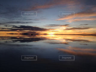近くに空には雲の上の写真・画像素材[965267]