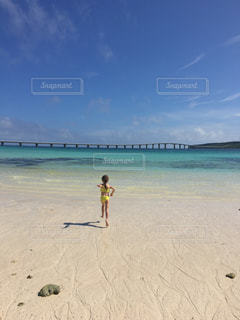 海,水着,子供,元気,宮古島,はしゃぐ