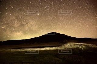 阿蘇の星空の写真・画像素材[3372187]