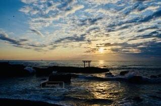 海,空,朝日,雲,波,鳥居,海岸,正月,お正月,日の出,茨城,新年,初日の出
