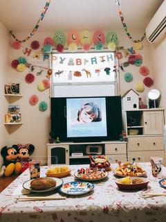ケーキ,ディナー,リビング,可愛い,パーティー,おめでとう,お誕生日,飾り付け