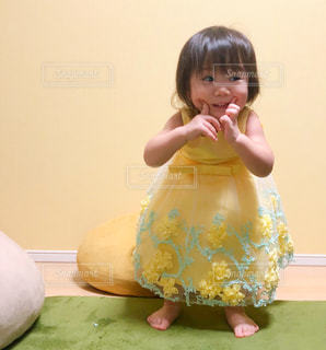 黄色,子供,ドレス,オシャレ,笑顔,幸せ,色,黄