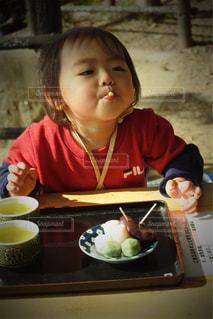 食事,おやつ,ティータイム,団子,男の子
