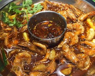 中国 エビ火鍋! エビの濃厚な出汁と唐辛子の辛さがやみつきになります!の写真・画像素材[811072]