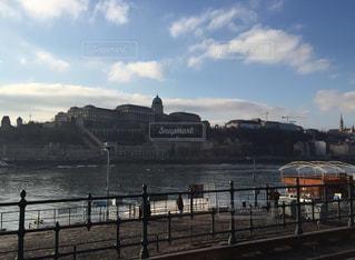 ハンガリー ブダペスト ドナウ川沿いのブダ城の写真・画像素材[811447]
