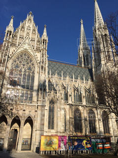 オーストリア ウィーン ヴォティーフ教会♪の写真・画像素材[825465]