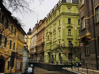 チェコ プラハ。旧新シナゴーグ(ユダヤ人教会)エリアの街並♪の写真・画像素材[826879]