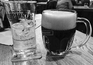 チェコ プラハで飲んだ黒ビール♪の写真・画像素材[827092]