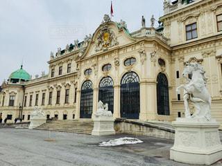 雪が残るオーストリア ウィーン ベルヴェデーレ宮殿♪の写真・画像素材[827795]