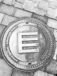 ハンガリー ブダペスト バンクセンターのマンホール♪の写真・画像素材[831064]