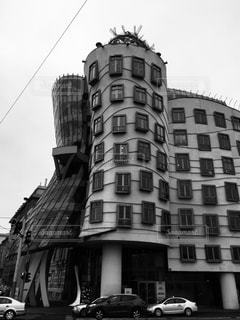 チェコ プラハのダンシングビル♪の写真・画像素材[831333]