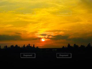 ドイツ。車窓からの夕焼け♪の写真・画像素材[956838]