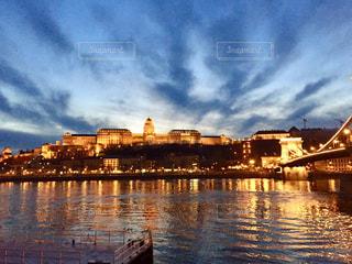 世界遺産 ハンガリー ブダ王宮の夕焼け時♪の写真・画像素材[960641]