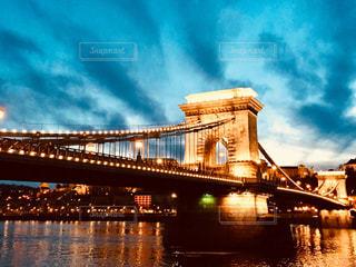 世界遺産 ハンガリー ブダペスト。夕暮れ時のドナウ川沿い♪の写真・画像素材[962446]