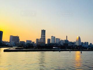 横浜 みなとみらいエリアの夕焼け時♪の写真・画像素材[963209]