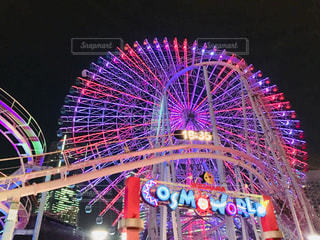 横浜 コスモワールドの観覧車&ジェットコースター♪の写真・画像素材[1009850]