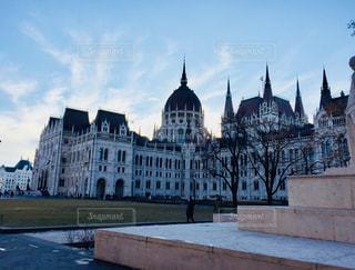ハンガリー ブダペストの国会議事堂♪の写真・画像素材[1020915]