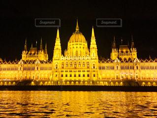 ハンガリー ブダペストの国会議事堂♪の写真・画像素材[1022284]
